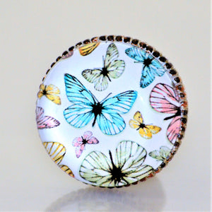 Retro Whitewashed Metal Knob – Multi-colored Butterflies