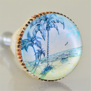 Retro Whitewashed Metal Knob – Serene Beach Scene