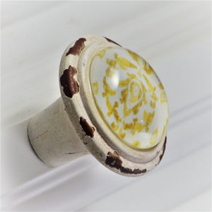Retro Whitewashed Ikat Yellow Leaf Pattern Knobs