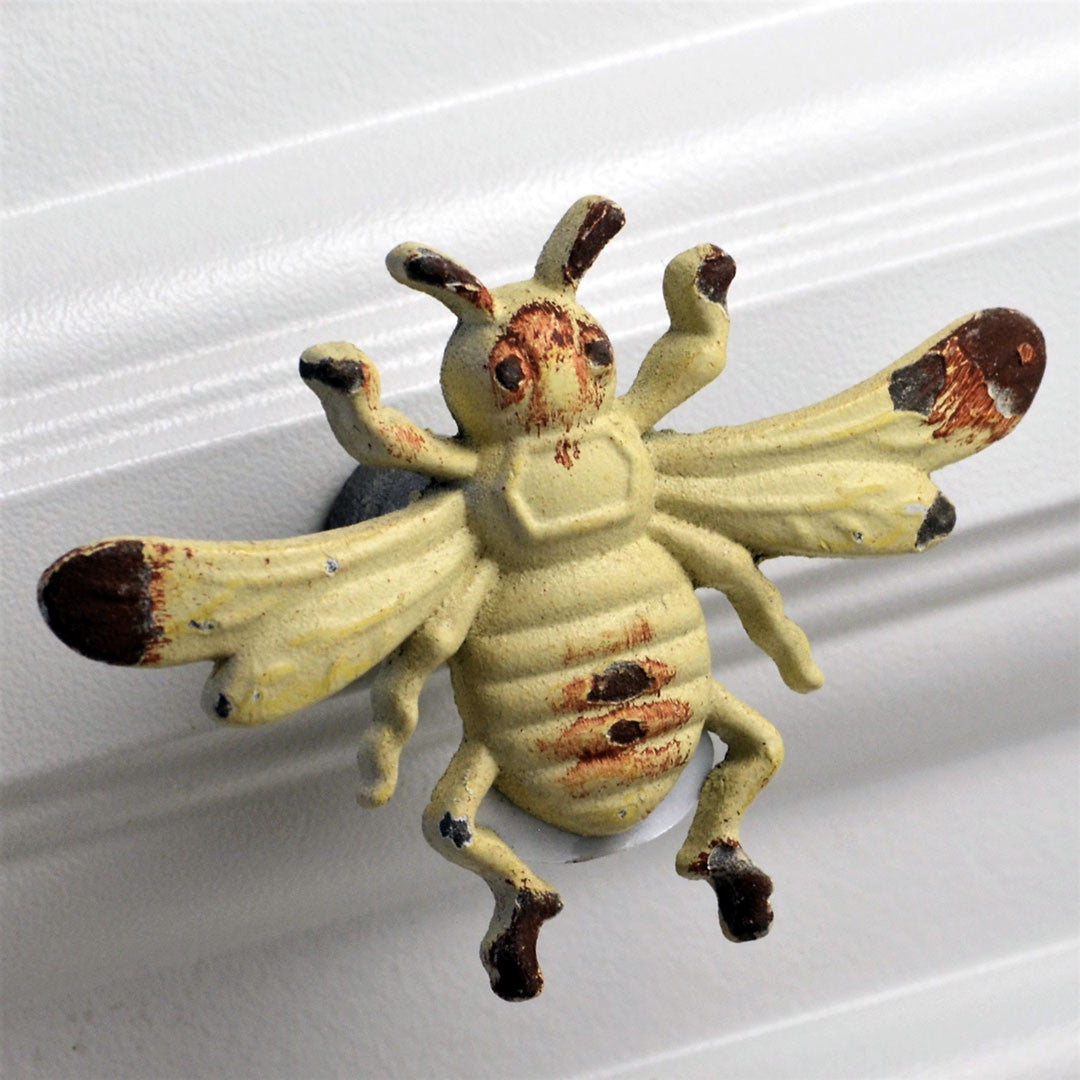 Whitewashed Bee Knob pull