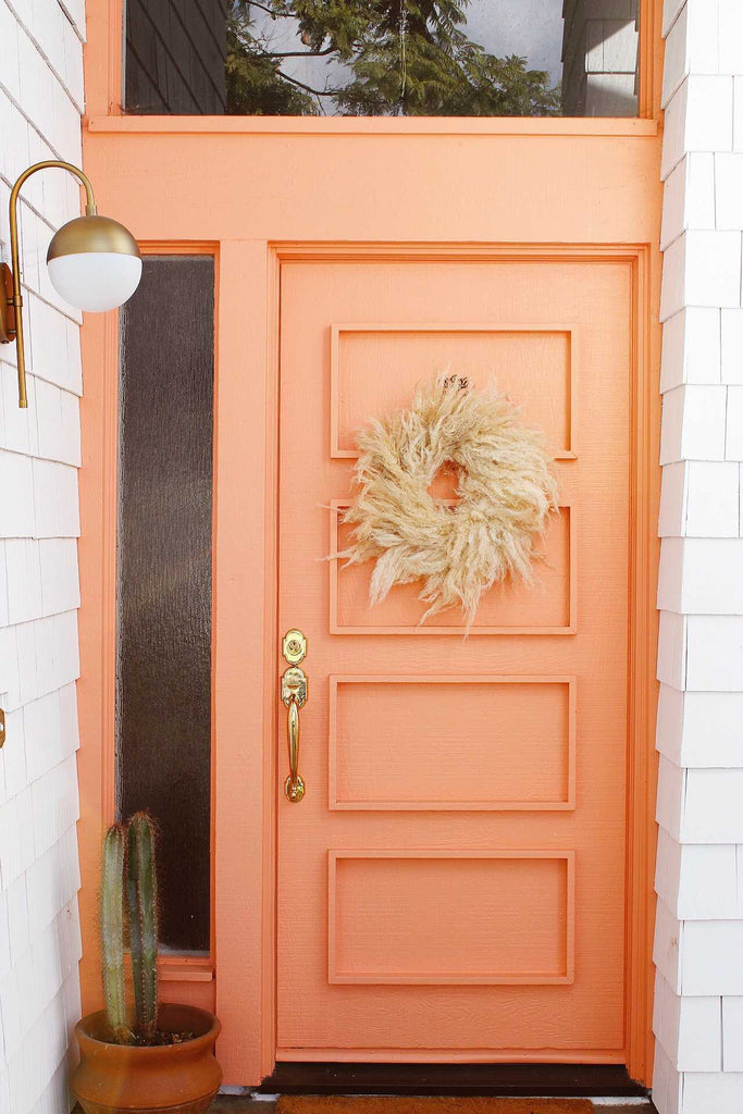 Small Pampas Wreath on a peach colored front door