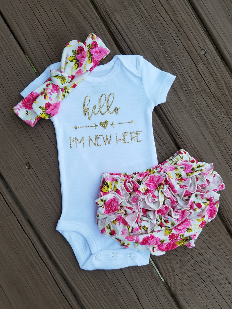 ac70ba97bf0 Alana Hello I m New Here Newborn Outfit Hello World Bodysuit Coming Home Outfit  Girl