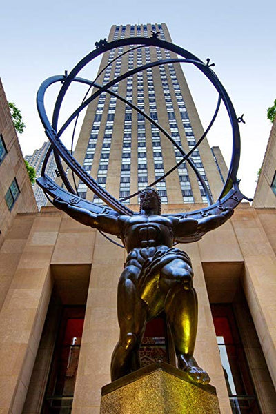 Atlas sculpture in front of the Rockefeller Center in New York