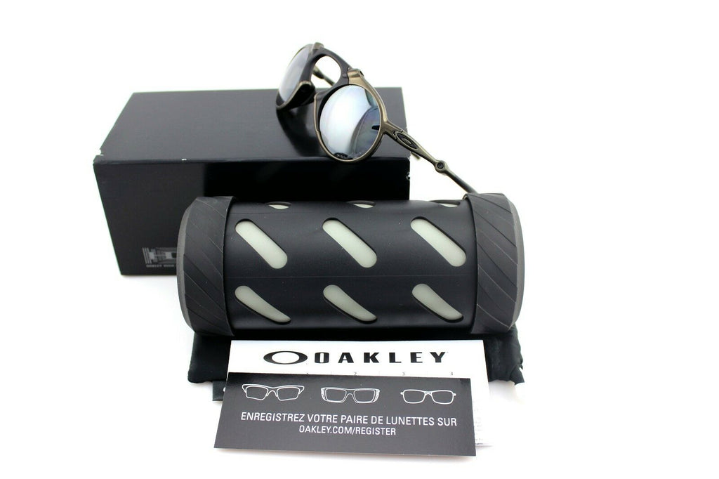 RARE Genuine OAKLEY MADMAN Pewter Black Iridium Polarized Sunglasses OO 6019-02