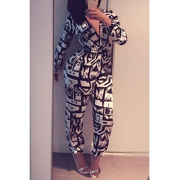 BLACK AND WHITE V-KNECK JUMPSUIT