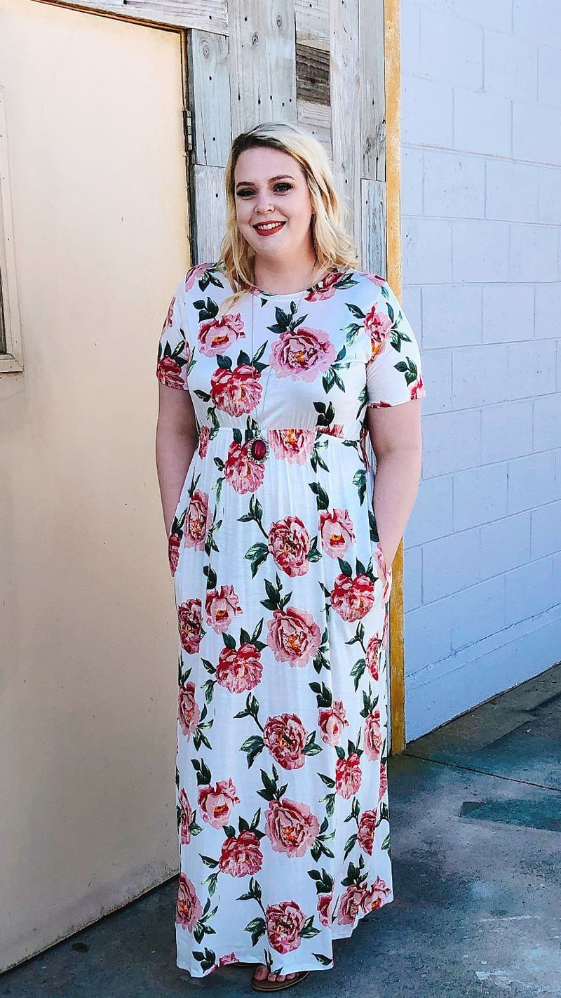 plus size white floral maxi dress with pockets