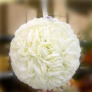"6"" Rose Kissing Ball"