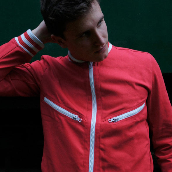 Tailored track jacket in red with two zip pockets