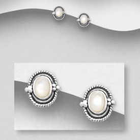 Sterling Silver Stud Earrings Decorated With Shell