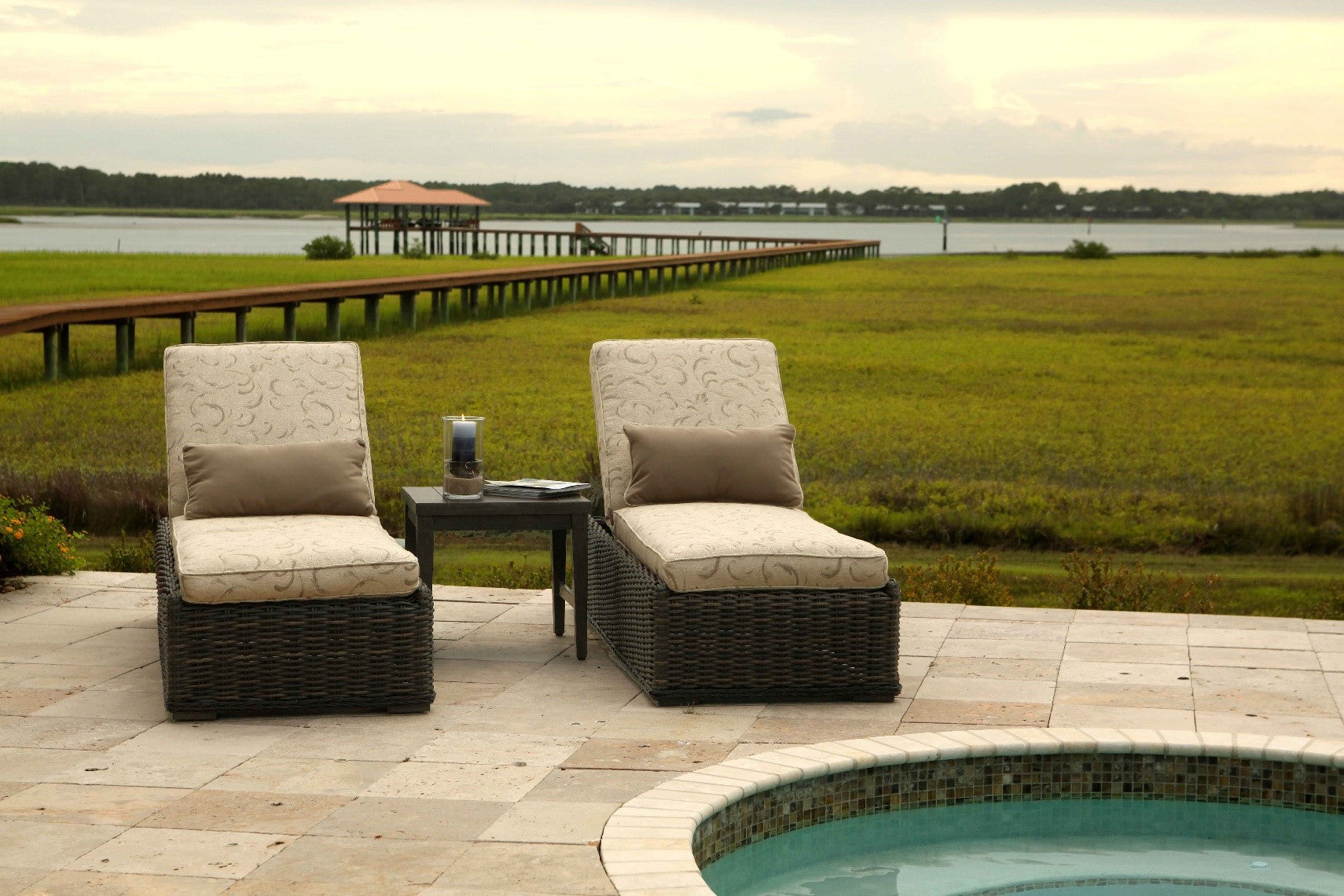 40 awesome patio furniture winnipeg images outdoor patio for Chaise cafe winnipeg