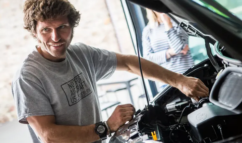 guy martin mechanic working on ford transit van