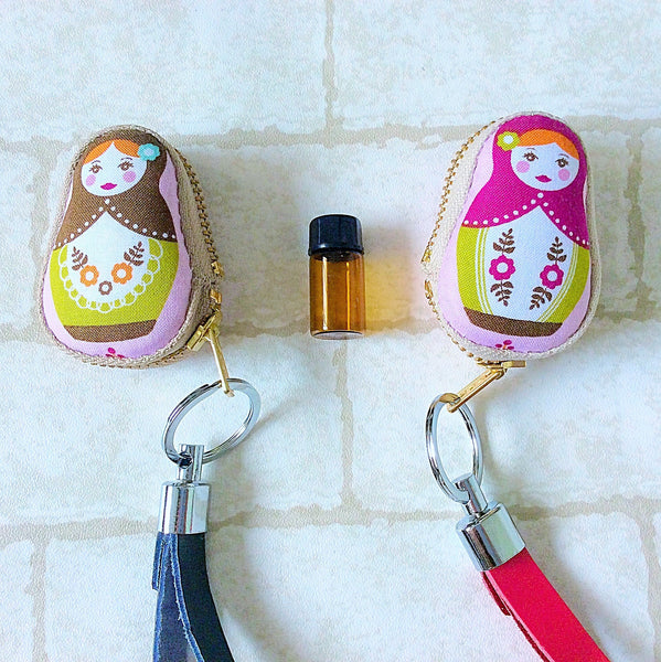 Russian Doll Sample Glass Bottle Keychain Pouch | Russian Doll Design 05