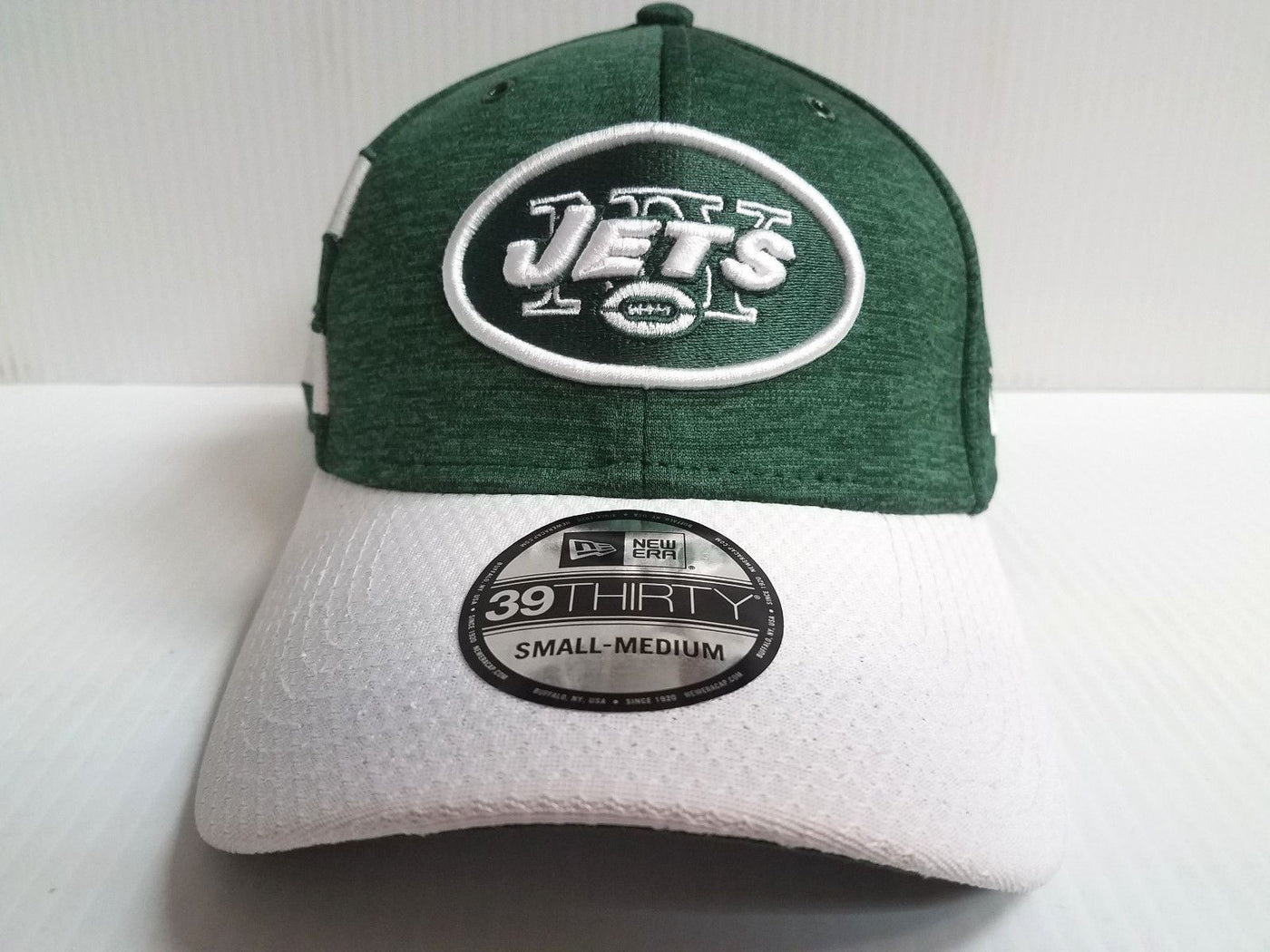 New York Jets Cap New Era 39Thirty Stretch On Field 2018 Home Sideline –  Sports City Hats 71cdd2f563a