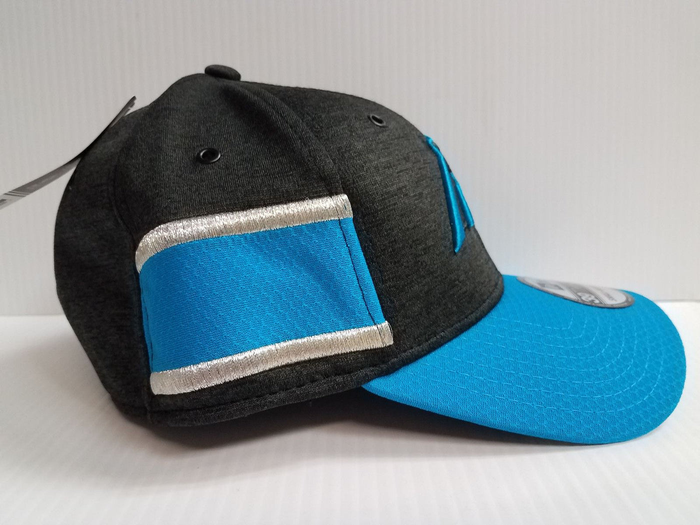 Carolina Panthers Cap Era 39Thirty Stretch On Field 2018 Home Sideline Hat 58ebac1d5c1
