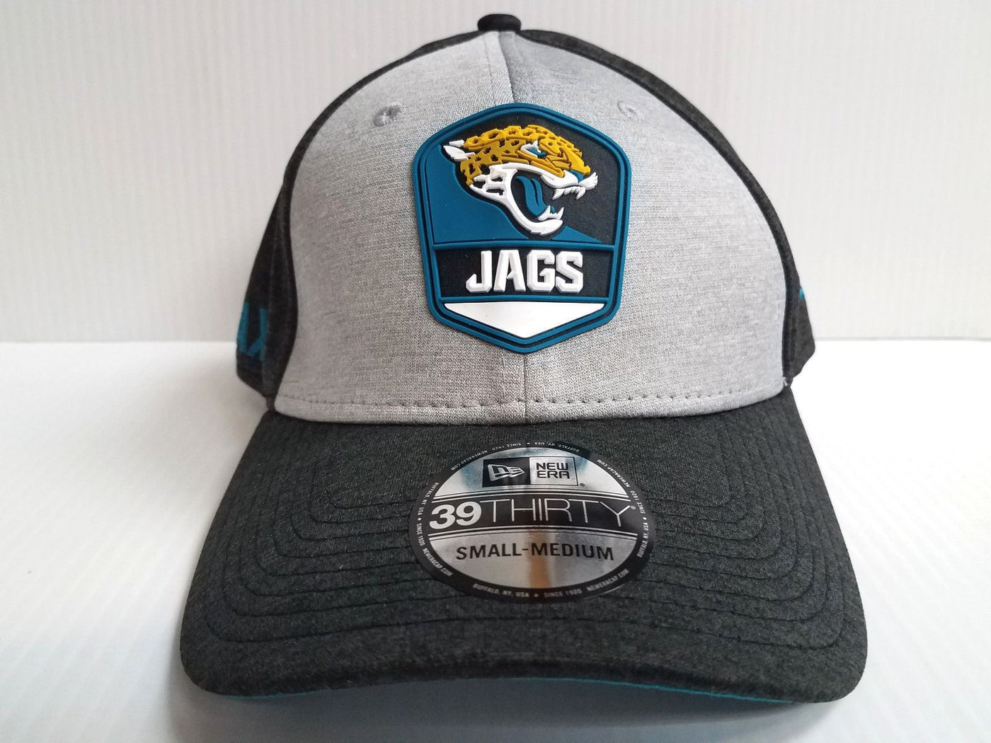 factory price 75541 f15f3 Jacksonville Jaguars Cap New Era 39Thirty Stretch Field 2018 Road Side –  Sports City Hats