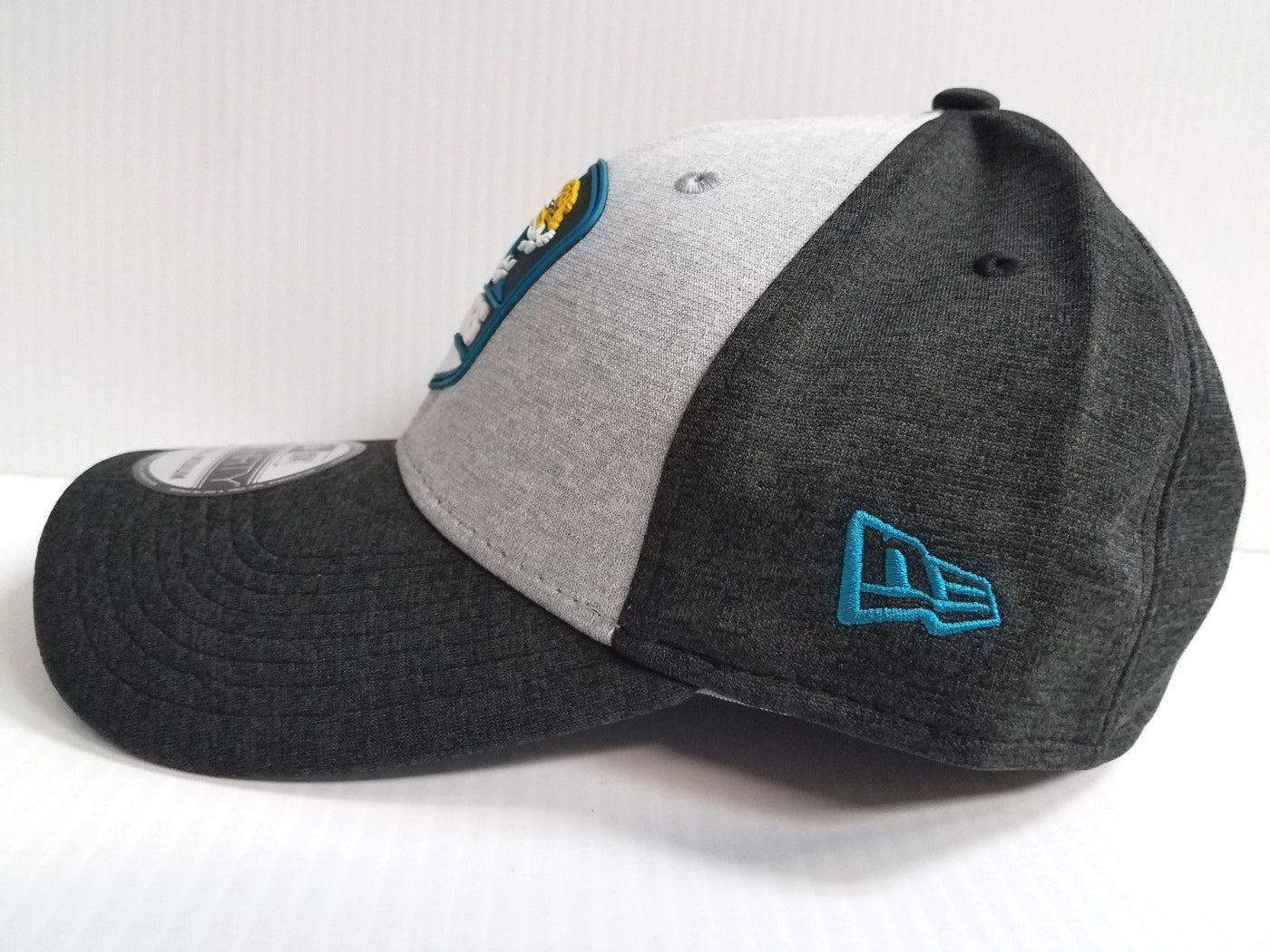 Jacksonville Jaguars Cap New Era 39Thirty Stretch Field 2018 Road Sideline  Hat 7b71ed0a9884