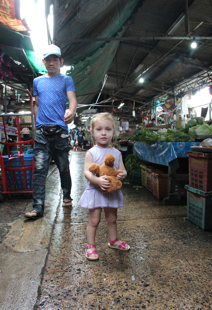 Cici in Thai market