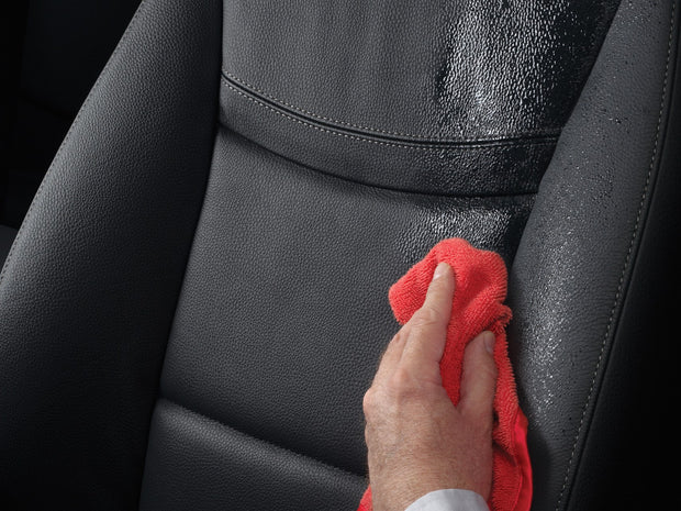 WeatherTech Leather Conditioner - 8ltc51k