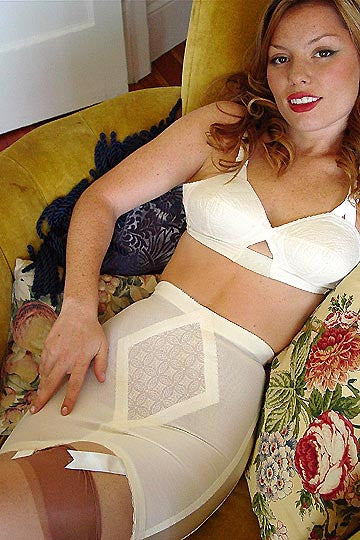60s Vintage Original Rago Diamond Lace Six Garter Girdle