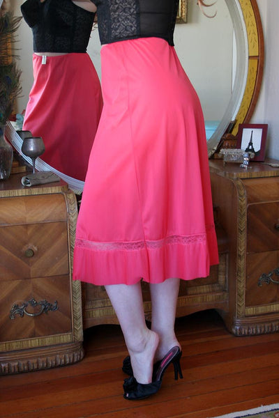 50s Vintage Luxite Crystal Pleated Red Half Slip