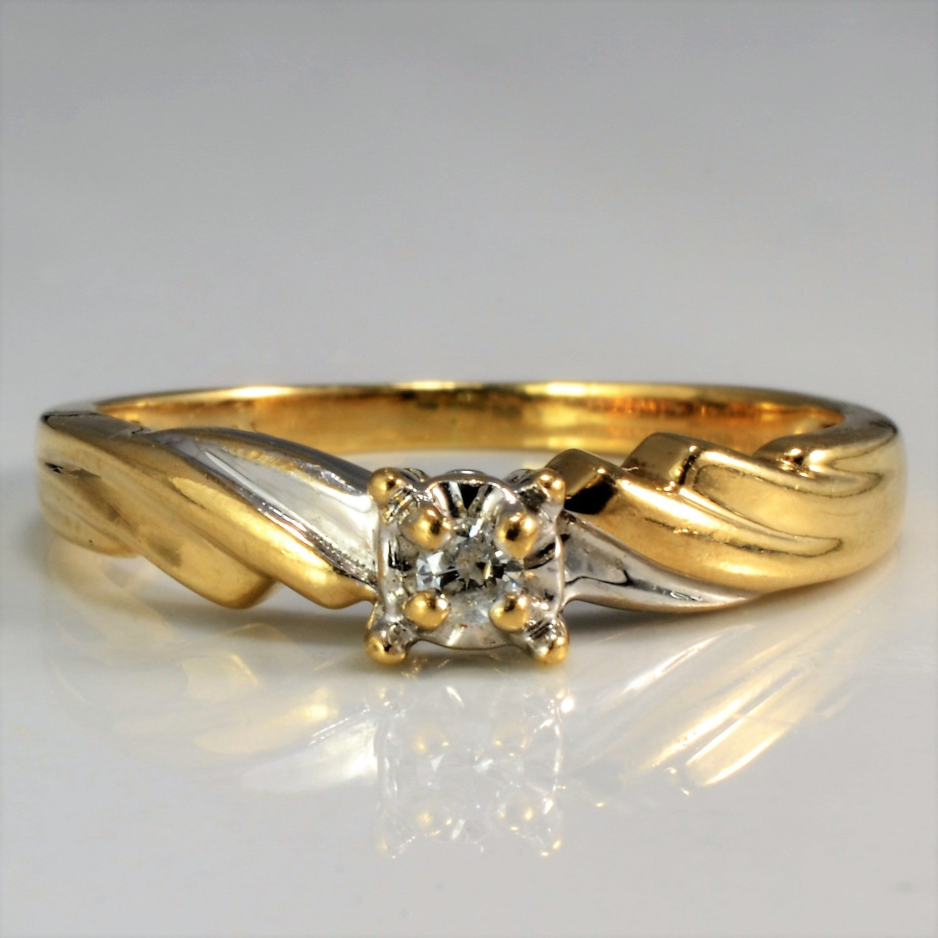 Twisted Two Tone Illusion Set Diamond Ring | 0.04 ct, SZ 6.5 |