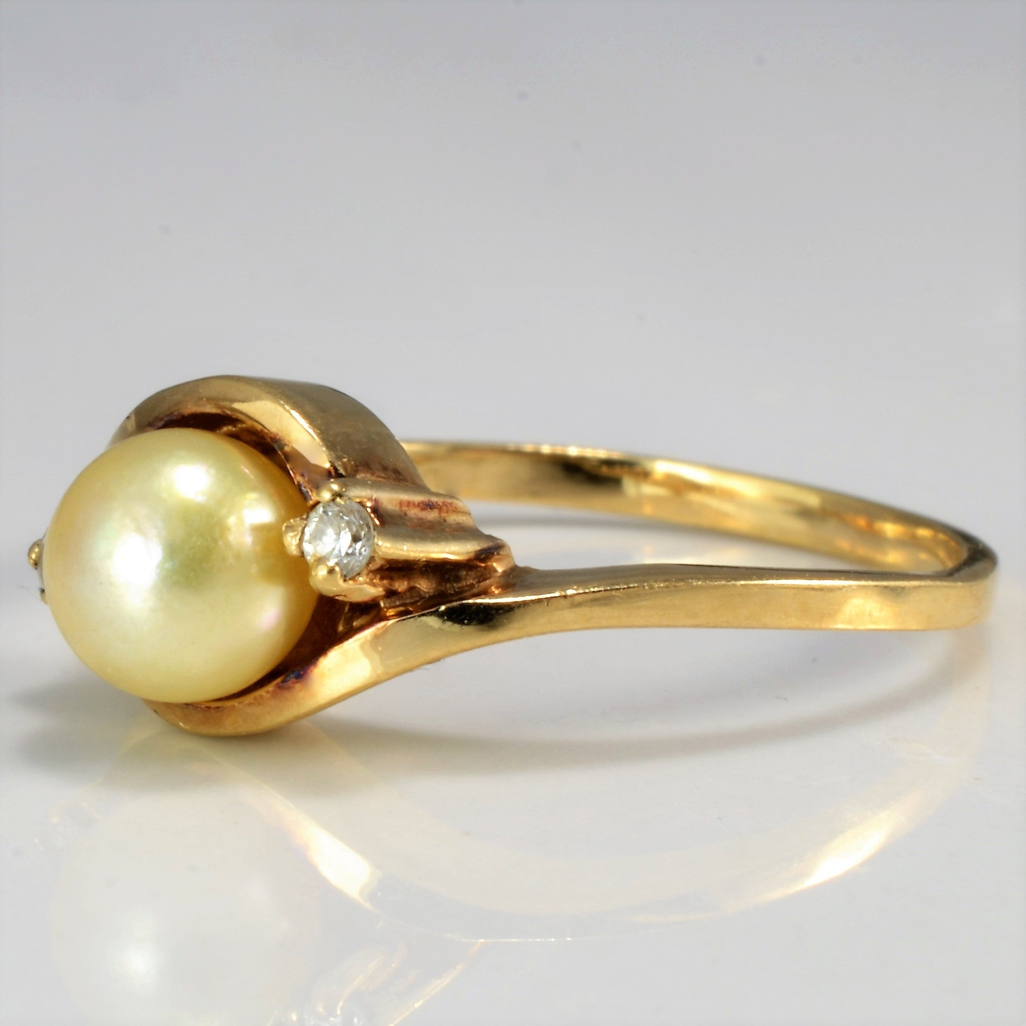 Twisted Bypass Pearl & Diamond Ring | 0.04 ctw, SZ 6.75 |