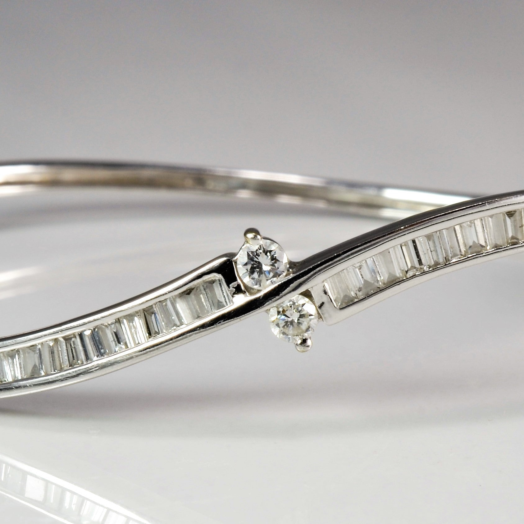 Baguette Diamond Wave Bangle | 0.8 ctw, 7"