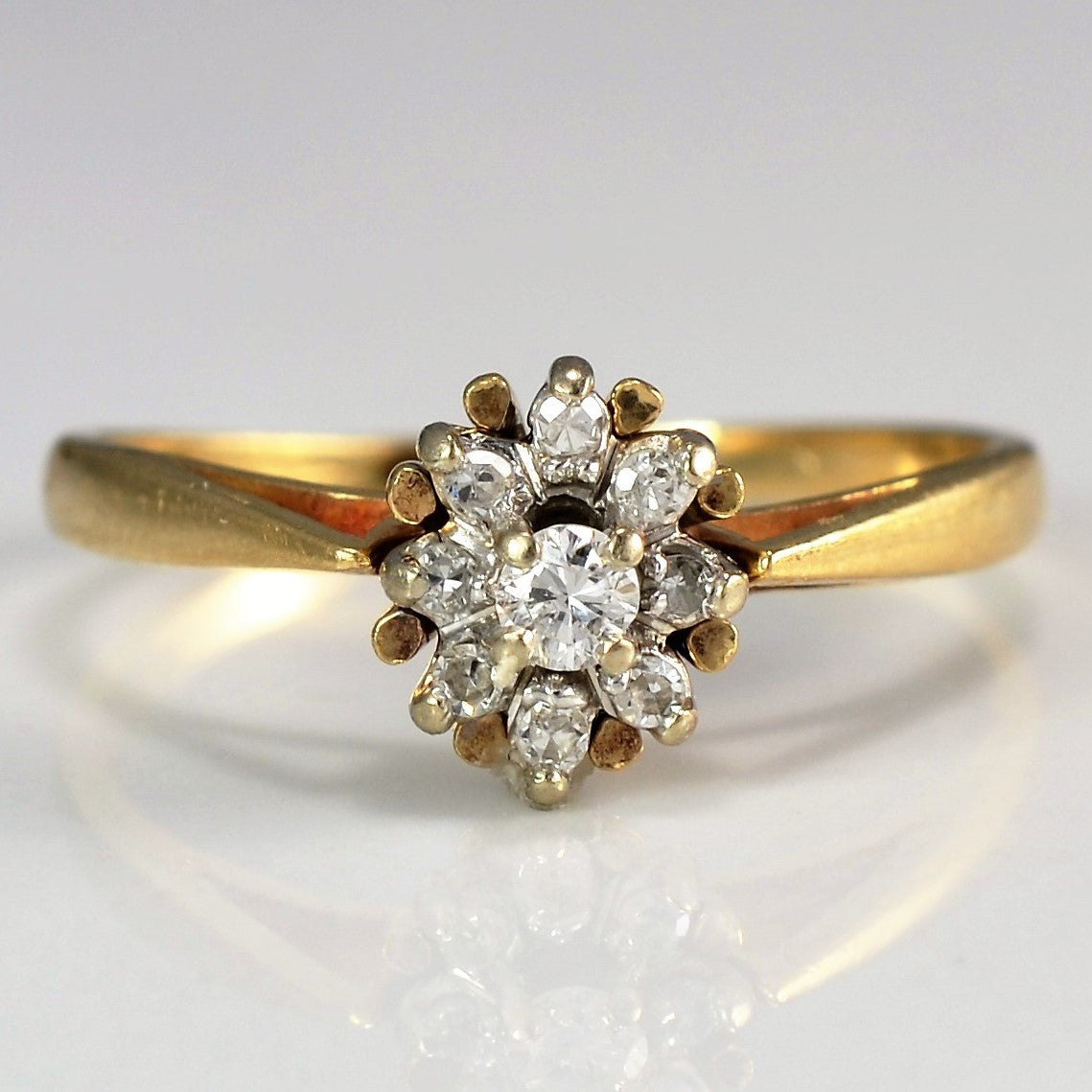 Tapered Diamond Starburst Ring | 0.10ctw | SZ 7 |