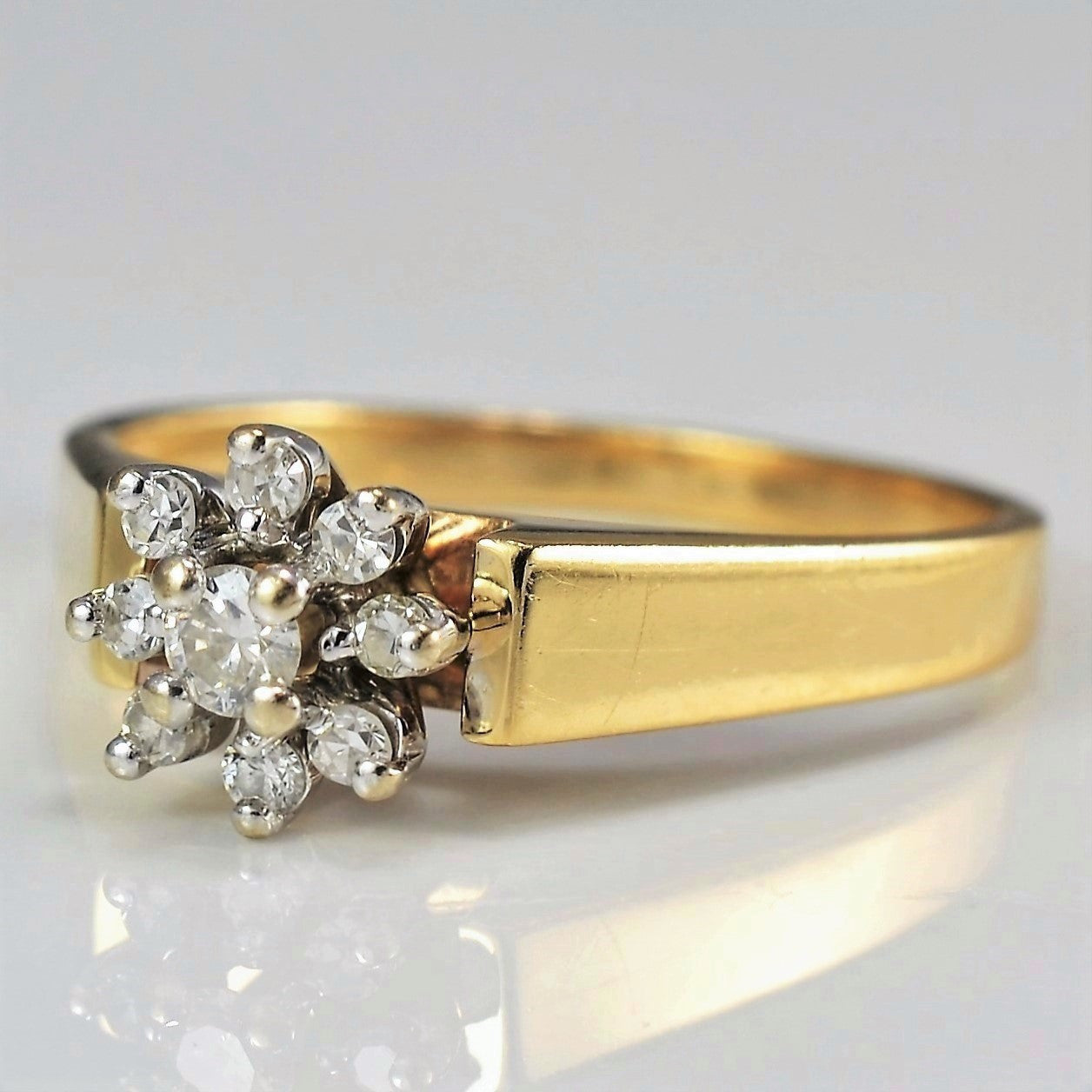 Floral Diamond Cluster Ring | 0.13 ctw, SZ 6.25 |