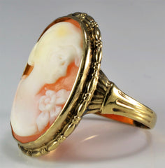 Gorgeous Vintage Shell Cameo Ring | SZ 7 |