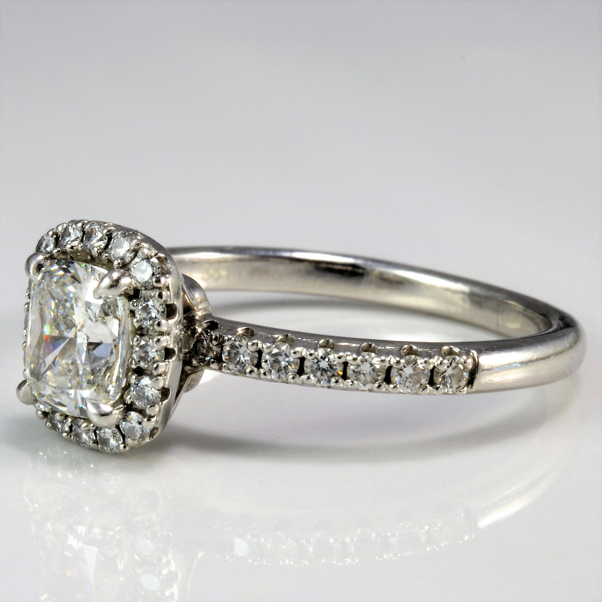 cushion carat regal with white cut ring diamond a cusion