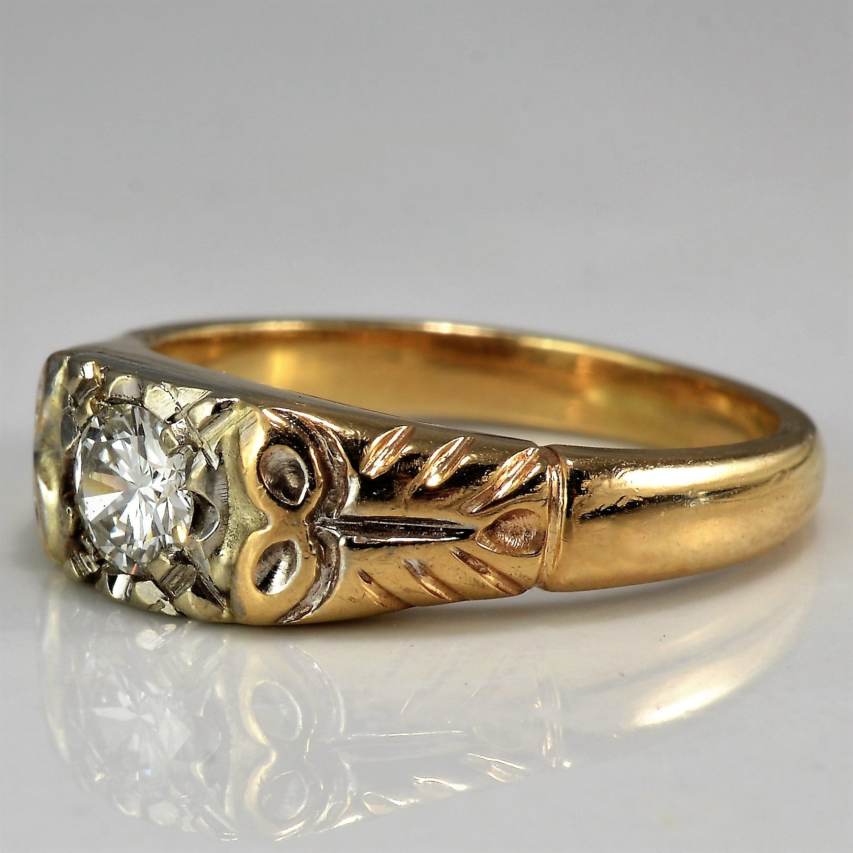 Vintage Floral Detailed Engagement Ring | 0.25 ct, SZ 5.75 |