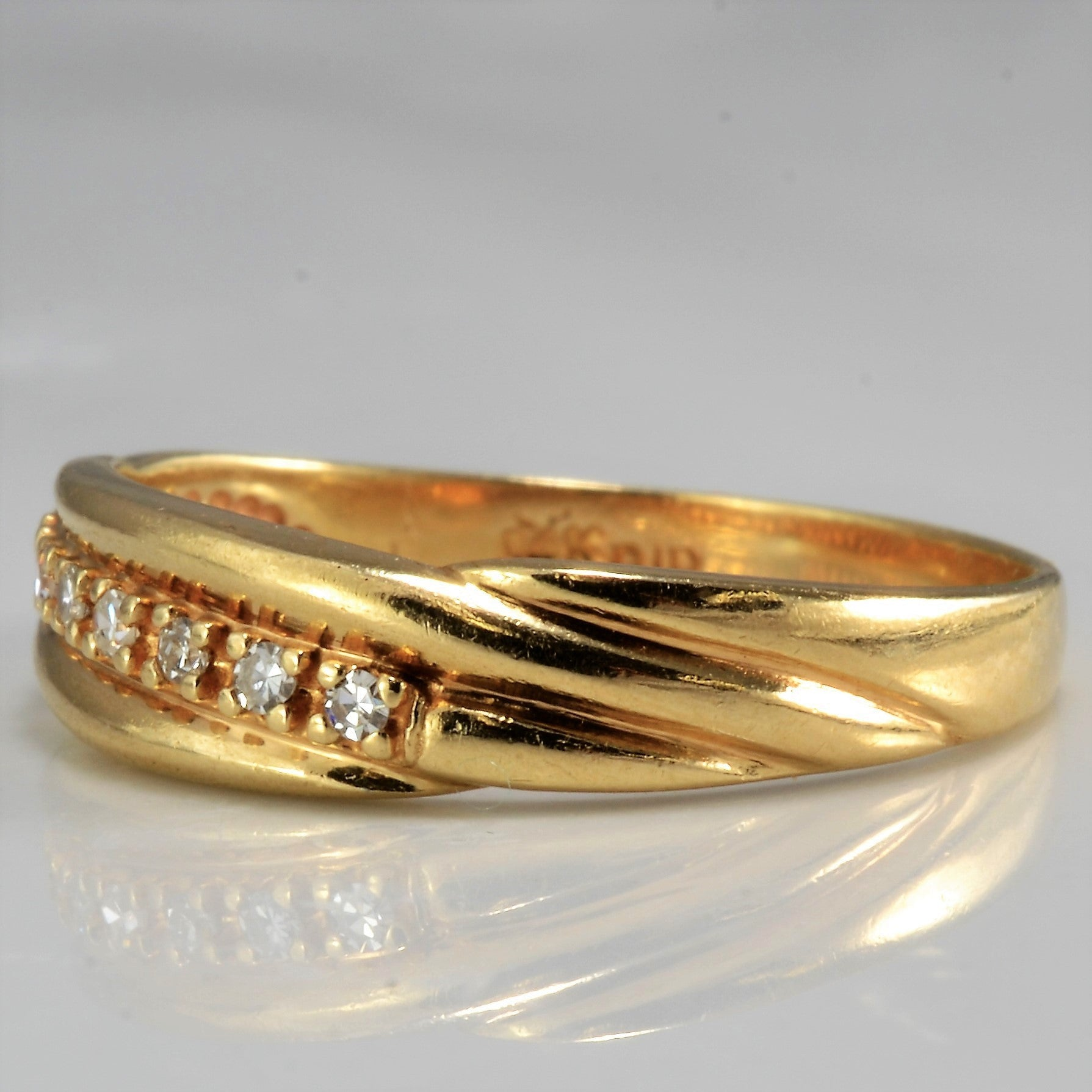Twisted Diamond Band | 0.10 ctw, SZ 8.25 |