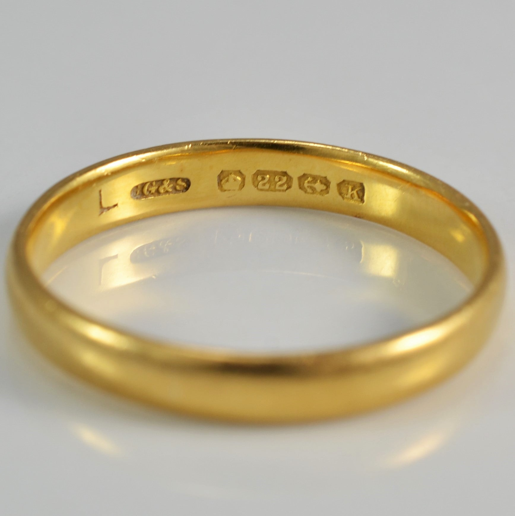 22K Comfort Fit Yellow Gold Band | SZ 9 |