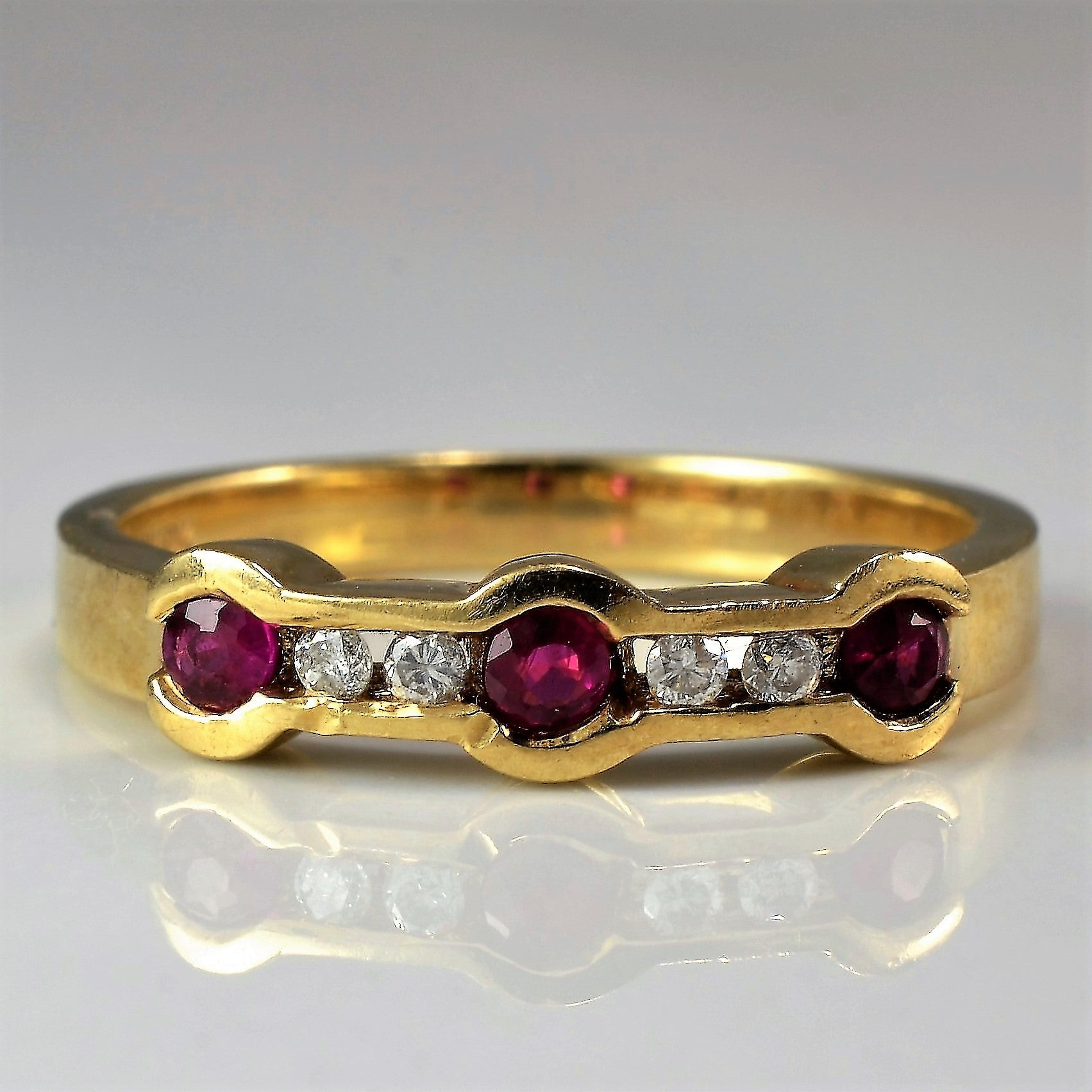 Diamond & Ruby Channel Band | 0.06 ctw, SZ 6.5 |