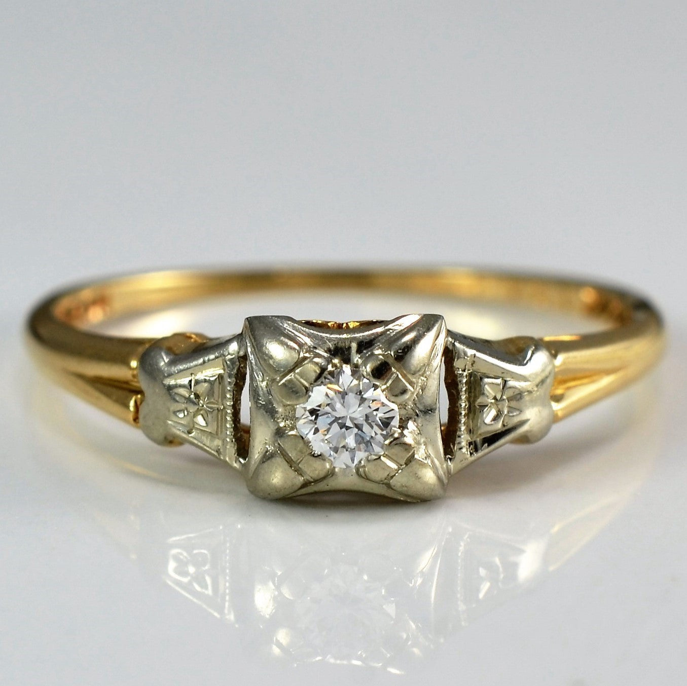 1930's 'Bridal Wreath' Engagement Ring | 0.10 ct, SZ 6.25 |