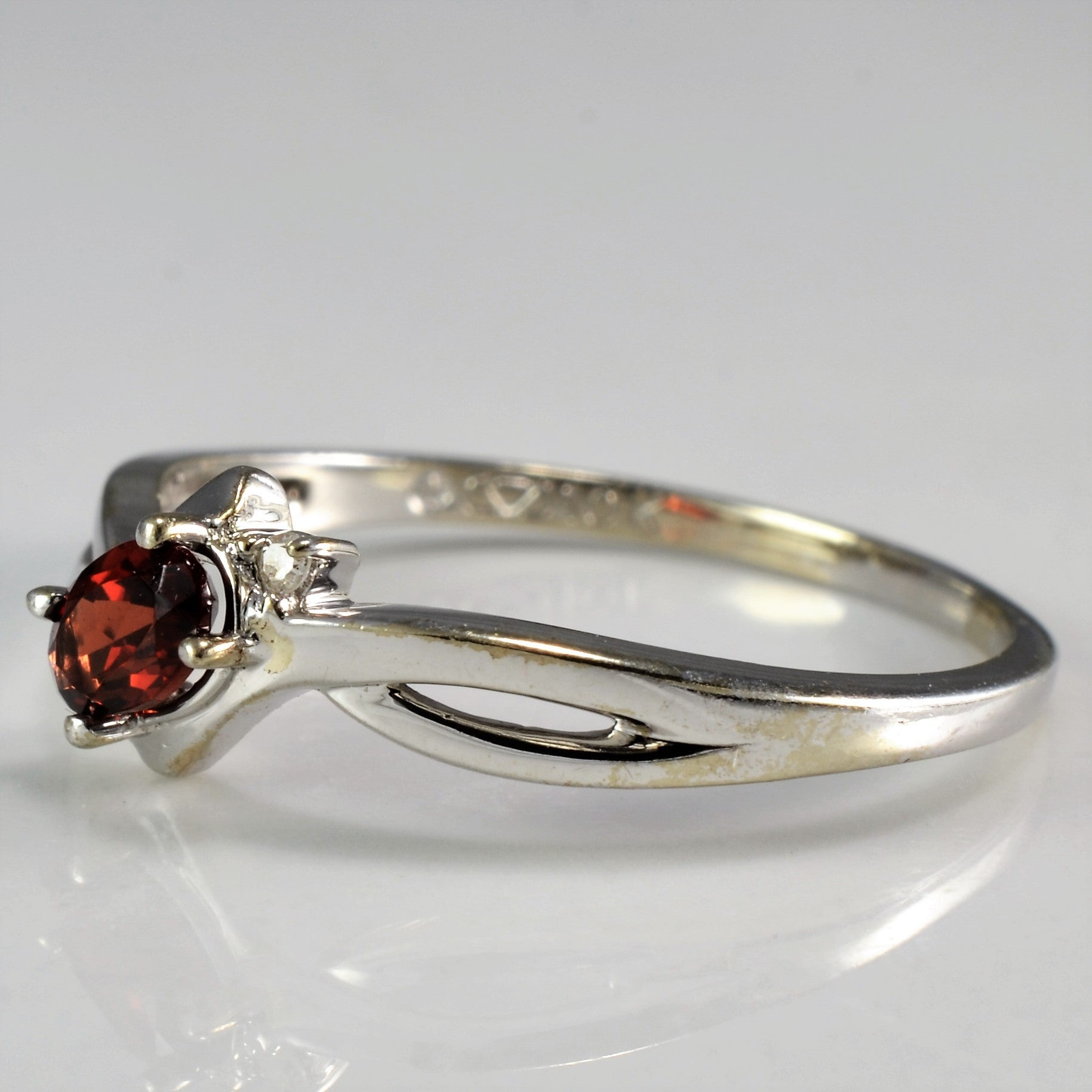 Offset Oval Cut Garnet Bypass Ring | SZ 6.5 |