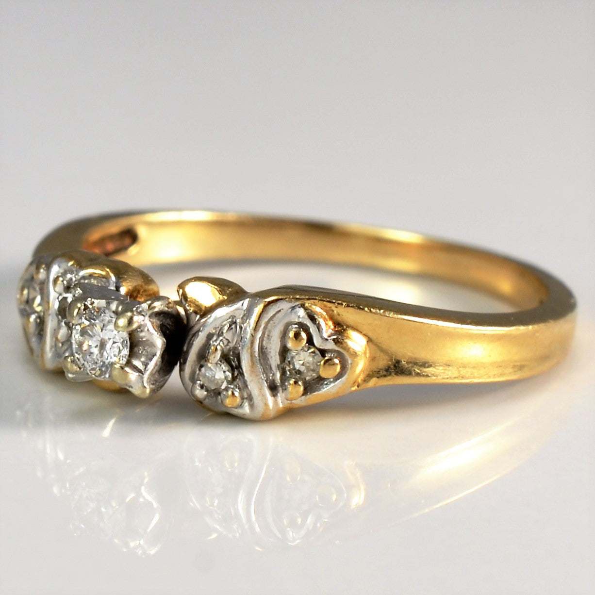 Vintage Heart Detailed Diamond Ring | 0.09 ctw, SZ 6.5 |