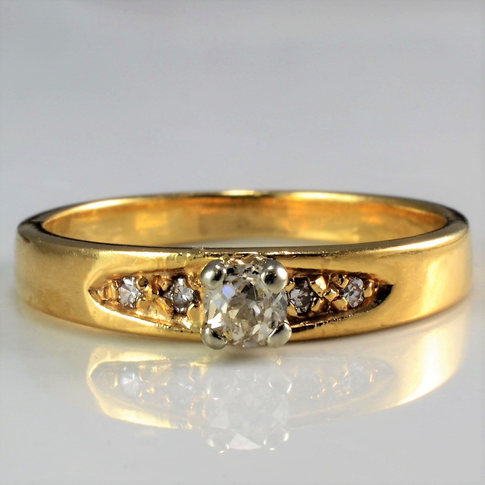 'Orange Blossom' 1930s Engagement Ring | 0.13ctw | SZ 4.5 |