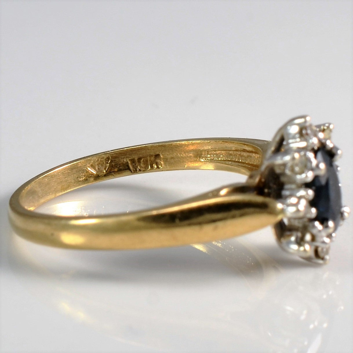Oval Sapphire With Diamond Halo Ring | 0.04 ctw, SZ 6.5 |