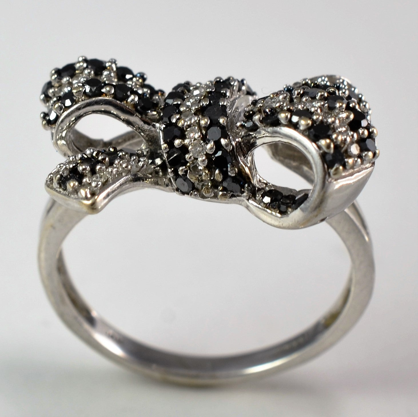 Black & White Pave Diamond Bow Ring 0 60 ctw SZ 4