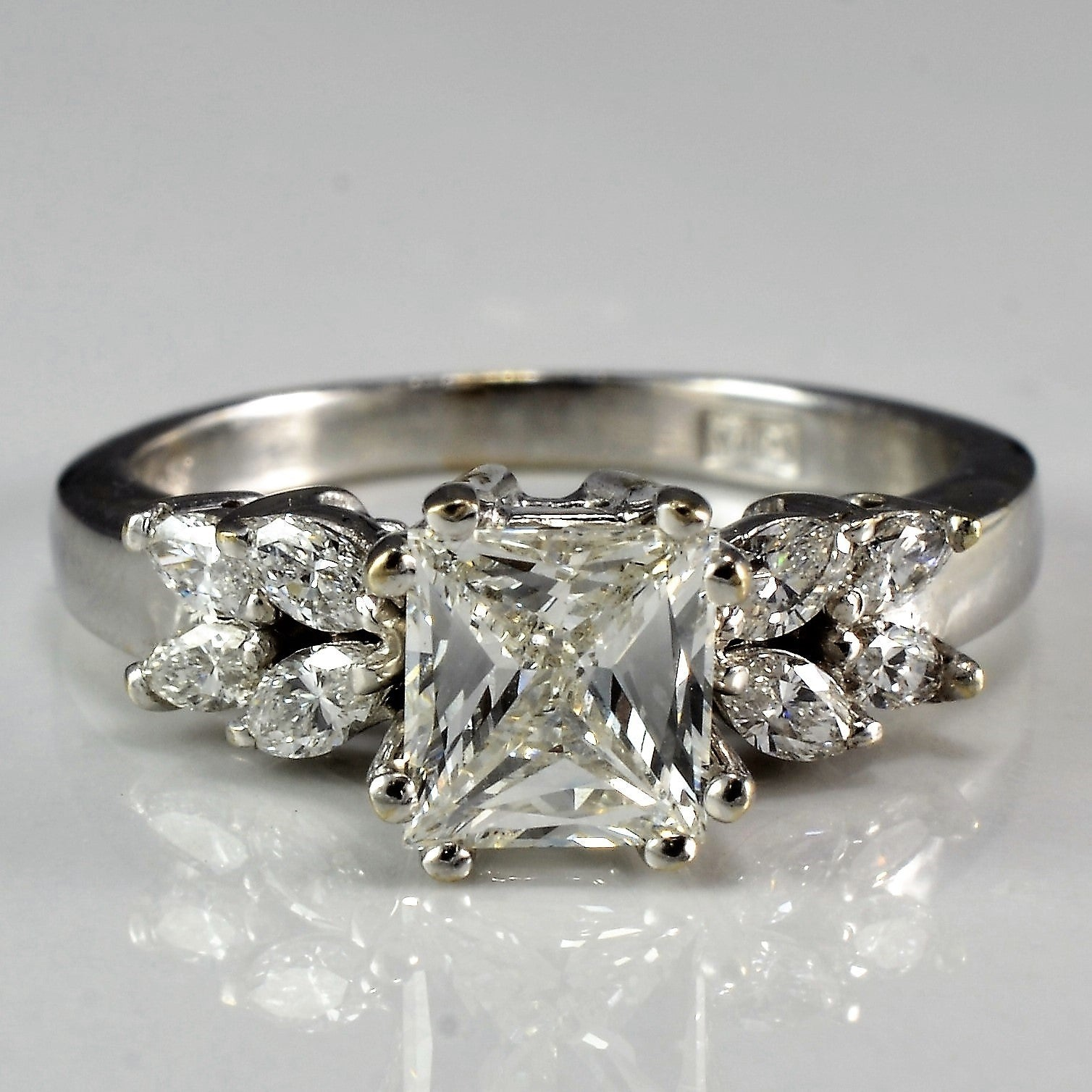 Marquise Flanked Princess Diamond Engagement Ring | 0.99ctw | SZ 5 |