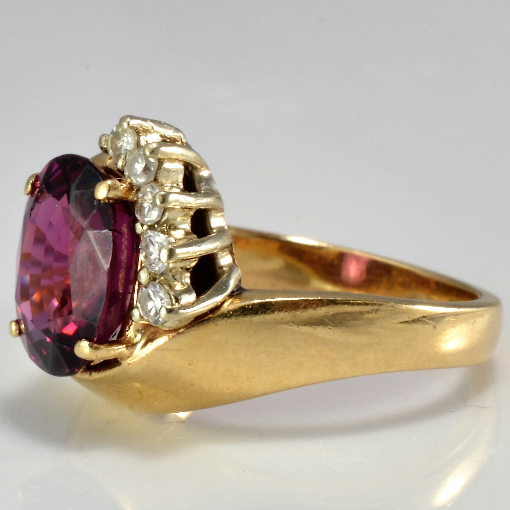 Oval Garnet & Diamond Cocktail Ring | 0.10 ctw, SZ 6 |
