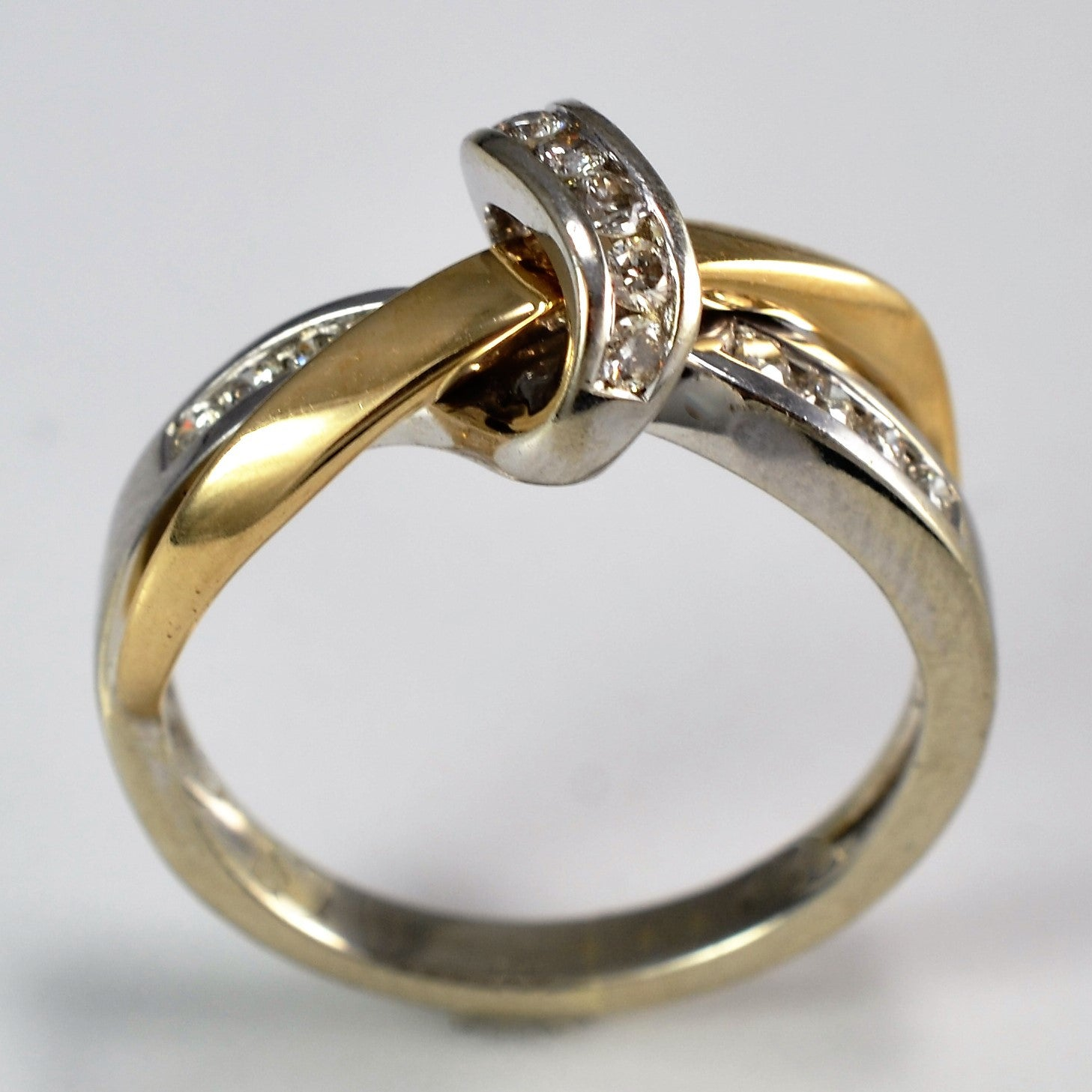 celtic gold ring knot white and diamond