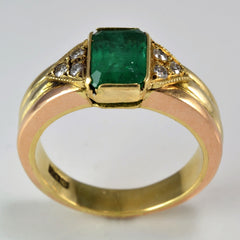 Vintage Emerald & Diamond Ring | 0.12 ctw, SZ 7.25 |
