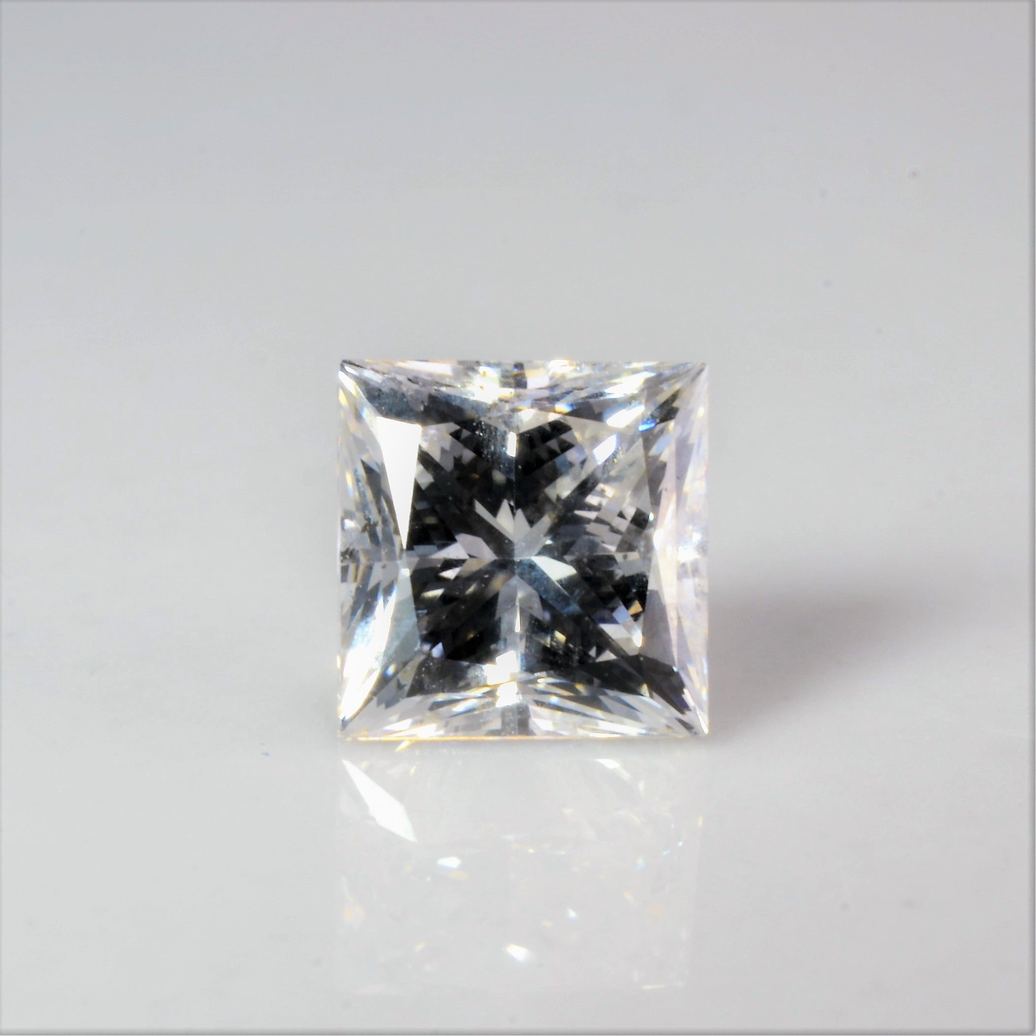 Princess Cut Loose Diamond | 0.72 ct |