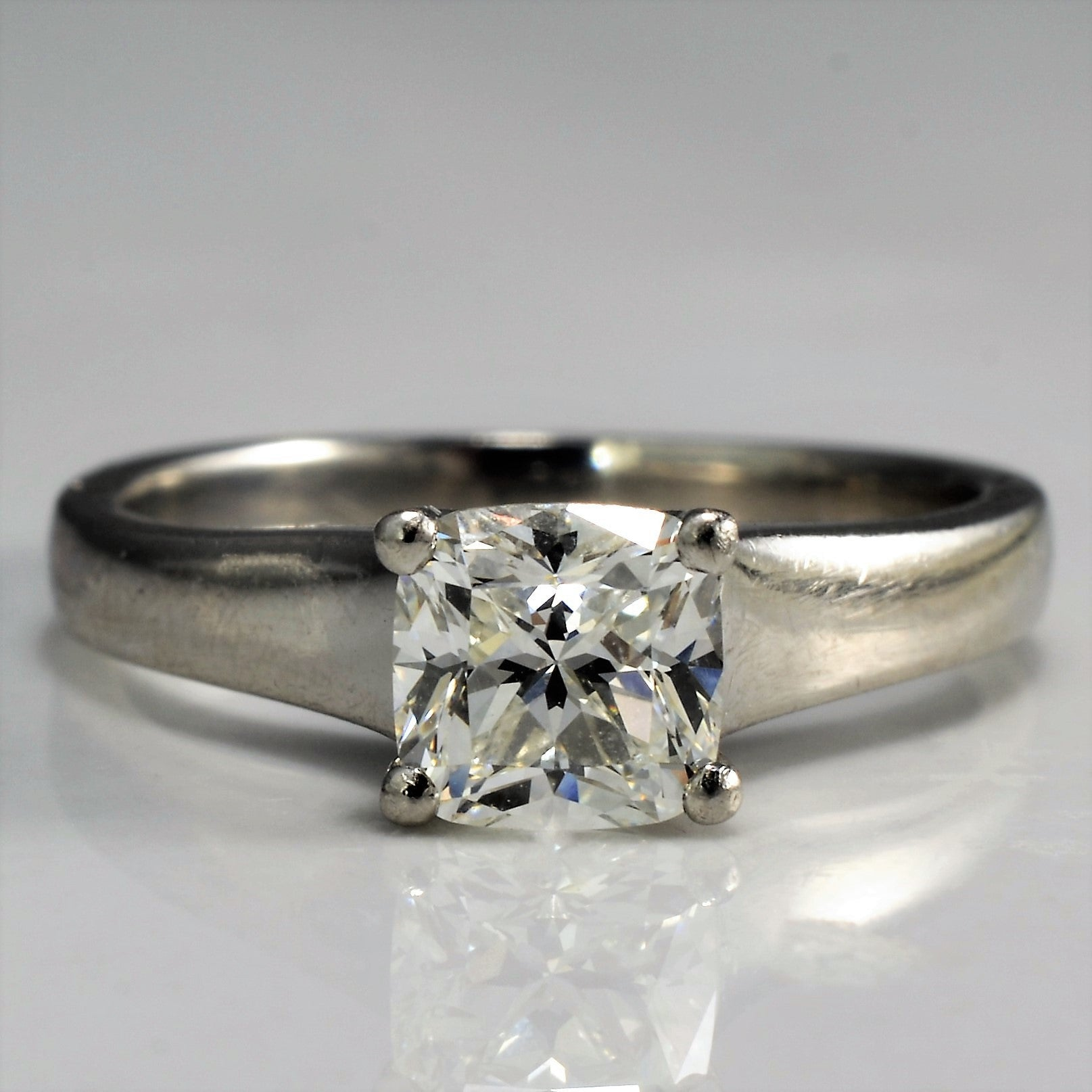 with engagement gallery ring diamond white solitaire east gold daimond in oval shank cut west rings scroll