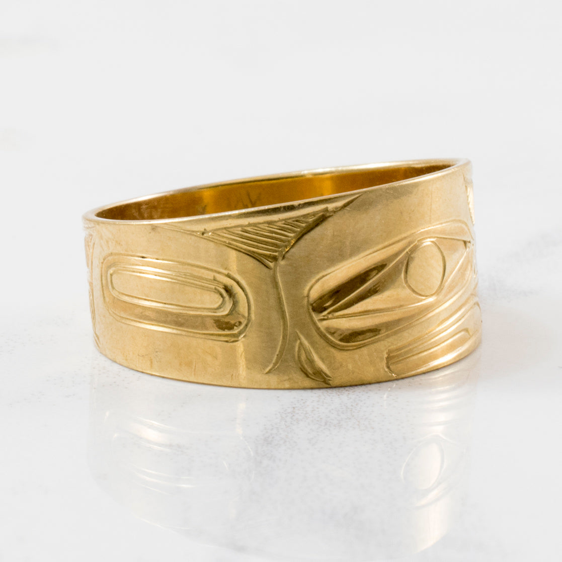 Tapered Indigenous Eagle Art Gold Band | SZ 9 |