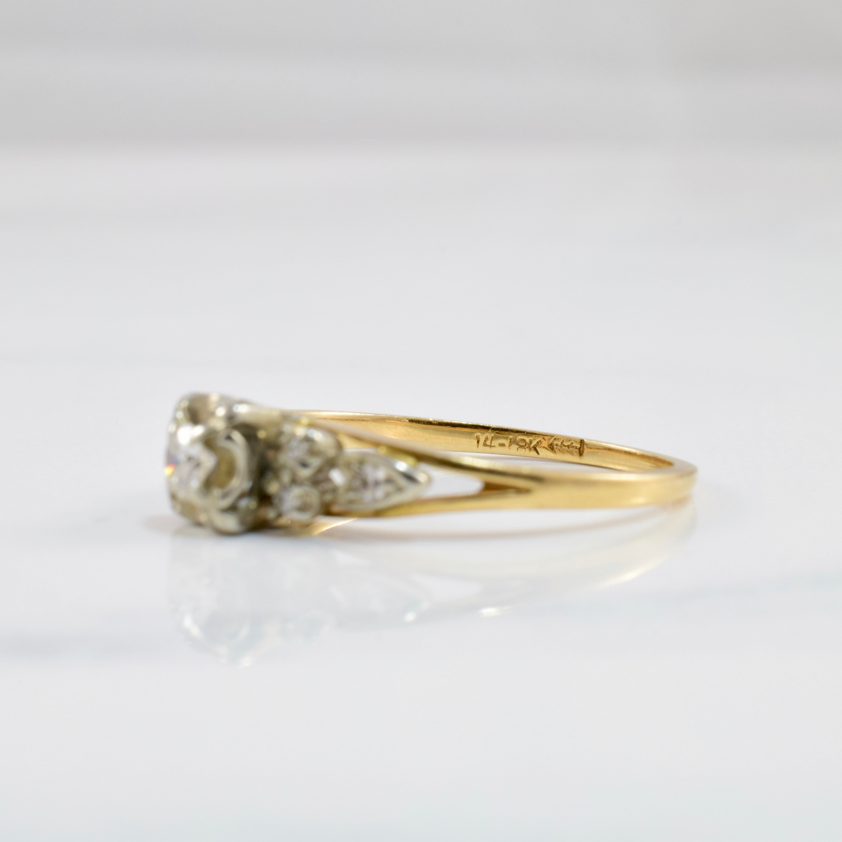 Vintage Engagement Ring | 0.16 ctw SZ 6 |