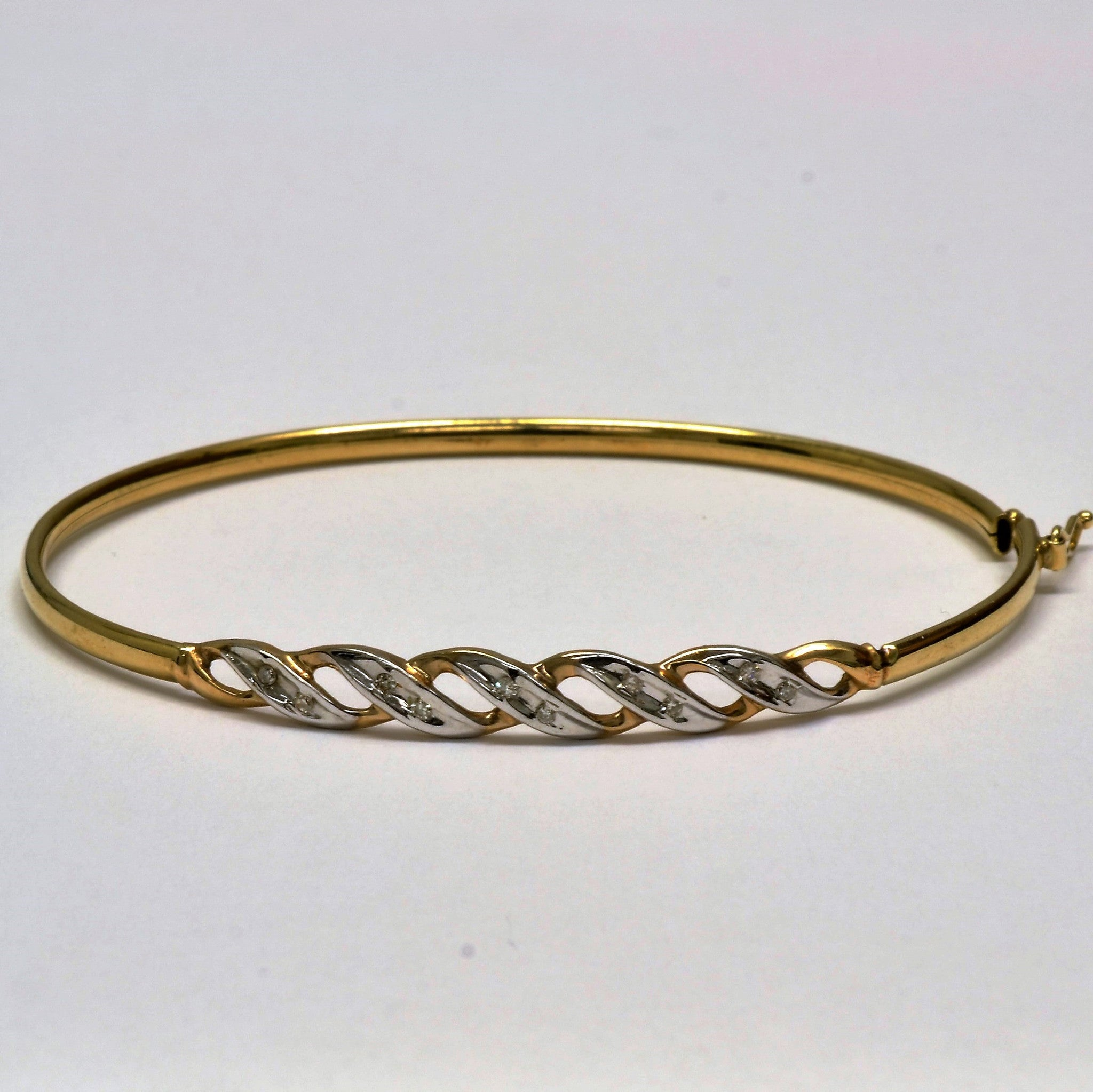 Diamond Spiral Bangle Bracelet | 0.10 ct, 7"